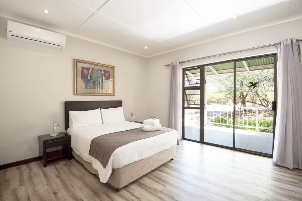 Arebbusch Travel Lodge | Overnight Accommodation in Windhoek Namibia | Robert Nienaber